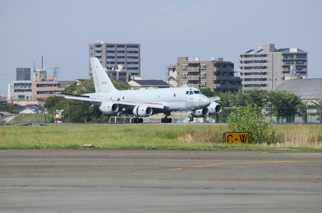 P-1 着陸.jpg